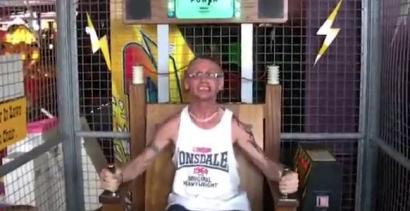 Śmieszna reakcja na krzesło rażące prądem