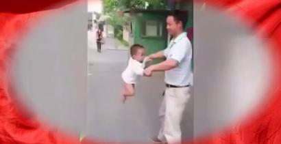 Chiński dzieciak-akrobata