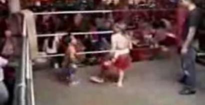 Tajski boks w wykonaniu karzełków