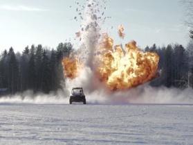 Zamarznięte jezioro, kolczaste opony i latające granaty!