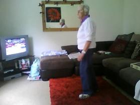 78-letnia babcia tańczy do dubstepu!