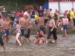 Przystanek Woodstock walczy z upałem!