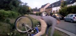 Trik rowerowy - w stylu kaskaderskim