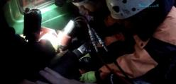 Wypadek w Rosji - wycinanie ofiary okiem strażaka