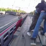 Skakali... z pociągu na pociąg!