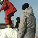 Rosja - skok na bungee między blokami