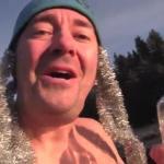 Niezniszczalny Norweg składa życzenia świąteczne