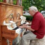 Starszy mężczyzna zaprezentował światu swój talent
