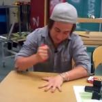 Nikola Granberg uwielbia bawić się nożami