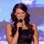 Ta piękna dziewczyna śpiewa... METAL!
