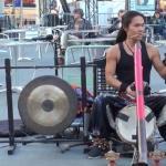 Człowiek-orkiestra z didgeridoo