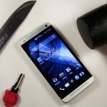 iPhone 6 - test z nożem i młotkiem
