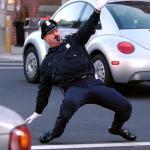 Tańczący policjanci z drogówki