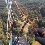Paralotniarz zderzył się z orłem