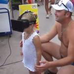 Reakcja dziewczynki na Oculusa