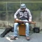 Uliczny multiinstrumentalista