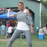 Taniec z hula hop - SEXY!