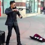 Genialny uliczny muzyk