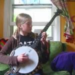 Poznajcie prawdziwą wymiataczkę na banjo
