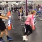 Kobieta zaprzęgowa na siłowni