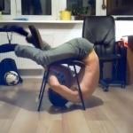 """""""Krzesłowa wspinaczka"""" w 30 sekund"""