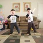 Śmieszny taniec bliźniaków