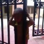 Głowa dziecka utknęła w bramie