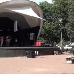 Szalony tłum na koncercie religijnym w Warszawie