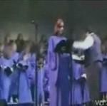 Dziewczynka z chóru puściła pawia!
