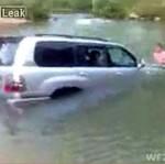 Rusek utopił samochód... i próbuje go naprawiać!