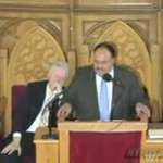 Bill Clinton przysypia podczas oficjalnego przemówienia