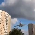 Ekstremalnie niski przelot samolotu