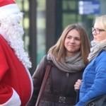 Święty Mikołaj podrywa dziewczyny!