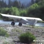 Brawurowe lądowanie - wyhamował na wodzie!