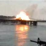 Marines wysadzają auto na moście