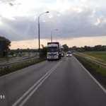 Idiota wyprzedzał ciężarówkę
