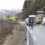 Helikopter ląduje... na poręczy!