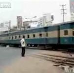 Przejazd kolejowy w Bangladeszu