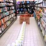 Zamienił sklep w jedno wielkie domino