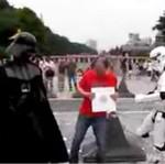 Darth Vader tańczy na ulicach Tokio