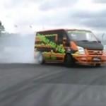 Drift busem - Polak potrafi!