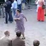 Rosyjska emerytka skopie wam tyłki na parkiecie!
