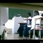 Nauczyciel RZUCIŁ SIĘ na uczennicę!