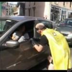 Wyrzuciła papierek - zemsta superbohatera była okrutna!