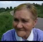 Nie chcesz wódki i papierosów od tej babci?