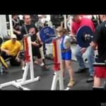 Ta dziewczynka ma 9 lat - i więcej siły niż ty!