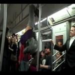 Striptizerka jedzie do pracy - WOW!