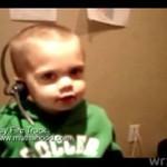 """Słodki chłopczyk mówi""""fire truck"""""""