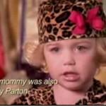 Dziecięca modelka nosi... SZTUCZNE PIERSI!