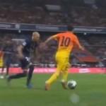 Leo Messi - mistrz balansowania ciałem!